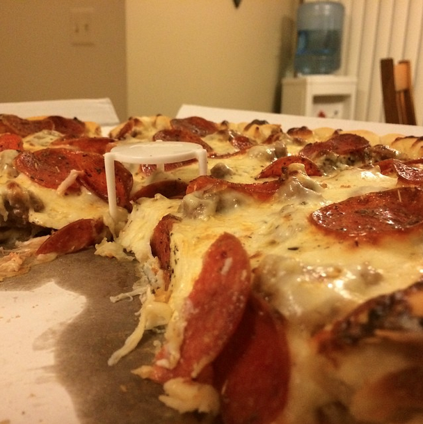 The pizza challenge 40 chicago area pizza places ranked for Jj fish chicago il